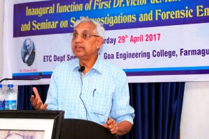 Prof-Madhav-delivering-first-deMello-lecture-4